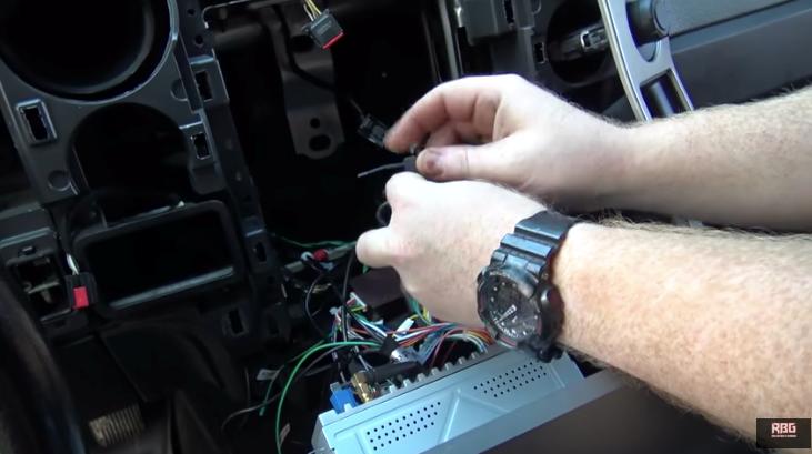 F-150テスラナビ取付 ワイヤリング