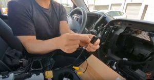 シルバラード テスラナビ取付け動画説明 バックカメラ用配線