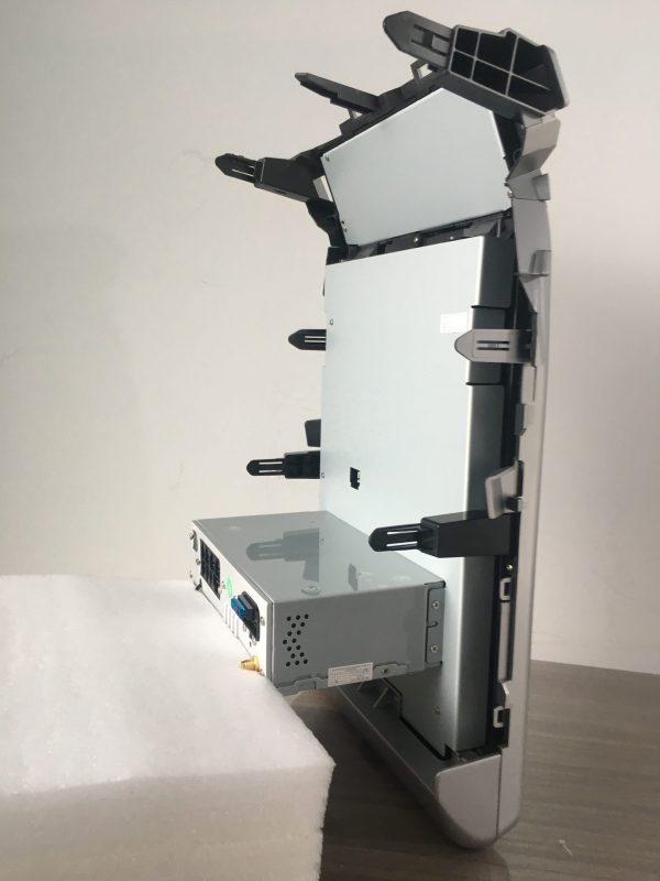 ランクルLC200 テスラナビ側面取付爪位置