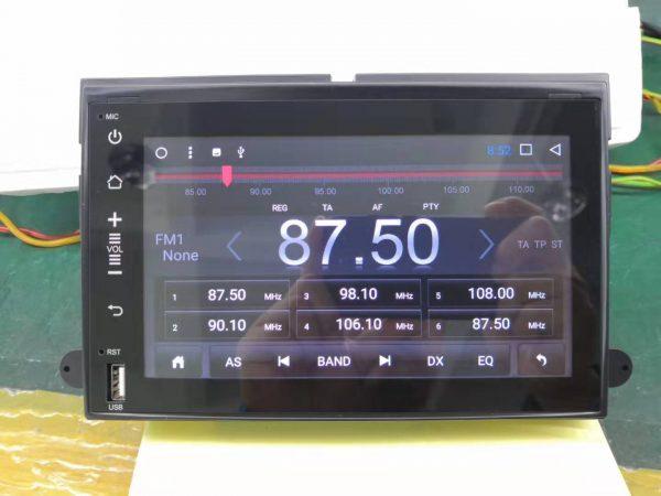 エコノライン E-150 テスラスタイルナビ ラジオ画面