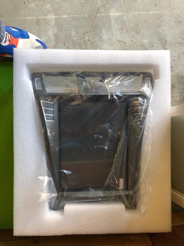 LS460テスラスタイルナビ梱包